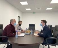 Ministri Mustafa takoi përfaqësuesit e kultivuesve të mjedrës