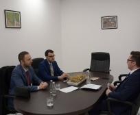 Ministri Mustafa takoi drejtorin e Shoqatës së Sigurimeve, Sami Mazreku