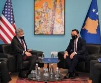 Ministri Faton Peci në takimin me Ambasadorin Philip Kosnett: Transparenca dhe ligjshmëria prioriteti ynë në drejtimin e ministrisë
