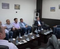 Ministri Krasniqi takoi pronarët e qendrave grumbulluese: Kosova ka kapacitete të mjaftueshme për grumbullimin e mjedrës