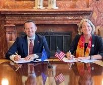 Ministri Faton Peci në SHBA nënshkruan Memorandum Mirëkuptimi me Universitetin Shtetëror të Iowas