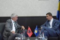 Shqipëria heq barrierat për patatet nga Kosova
