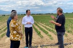 Ministar Faton Peci u poseti  poljoprivrednicima i stočarima