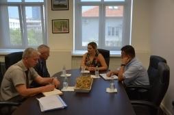 Ministrja Zivic takoi kryetarin e Komunës së Klinës, Zenun Elezaj