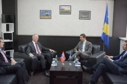 Ministri Krasniqi takoi ambasadorin norvegjez Braathu