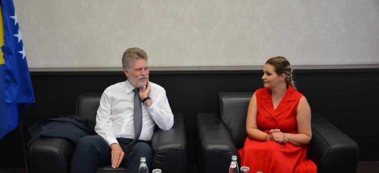Ministrja Zivic  takoi zëvëndësambasadorin e Gjermanisë, Jan Akselom Vosom