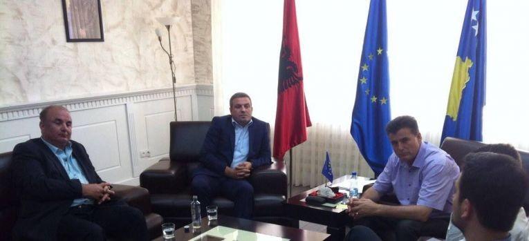Zëvendësministri Januzi takoi kryetarin e Mitrovicës