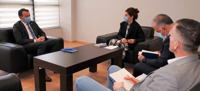 Ministri Peci takoi përfaqësuesit e projektit për bujqësi të Bankës Botërore